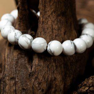 Unisex White Howlite Bead Bracelet